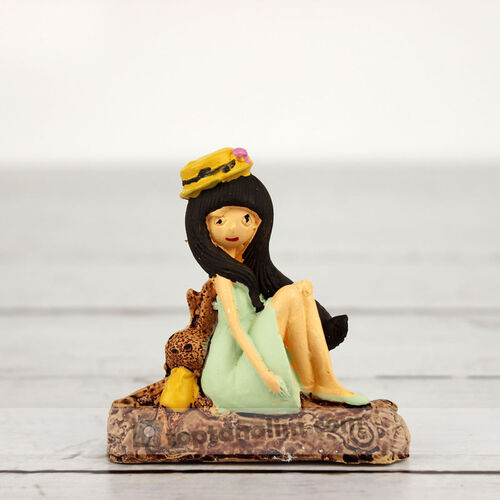 Büyük Boy Oturan Kız Teraryum Obje (kr3028)